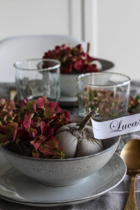 Schnelle Herbstdeko: Kürbisse aus Gips DIY