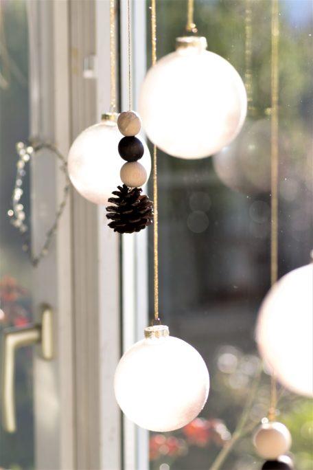 Schlicht und Natürlich - Fensterzauber im Dezember DIY Houseno37.de