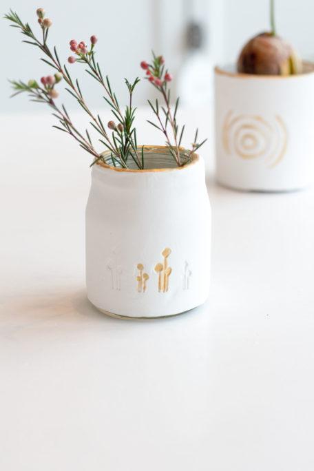 Zarte Vasen aus Fake Porzellan Houseno37.de