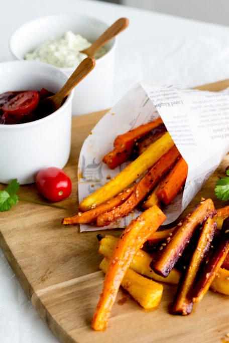 Köstliche Karottenpommes mit zweierlei Dips houseno37.de