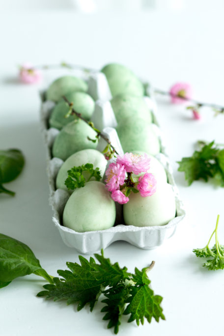Eier färben mit Spinat Houseno37.de
