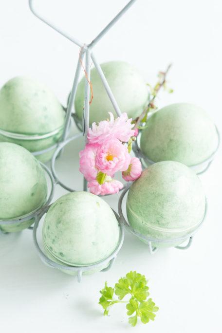 Grüne Eier natürlich färben Houseno37.de