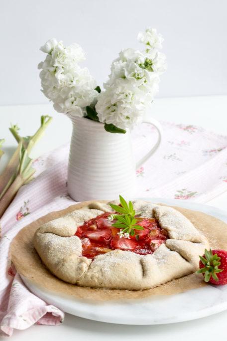 Erdbeeren-Rhabarber-Galete
