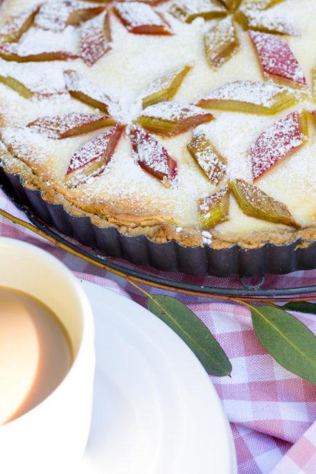 Rhabarberkuchen mit Marzipan