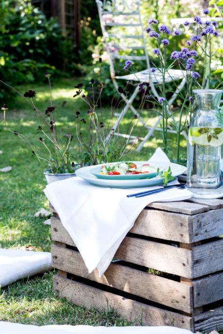 Sommergast im Garten