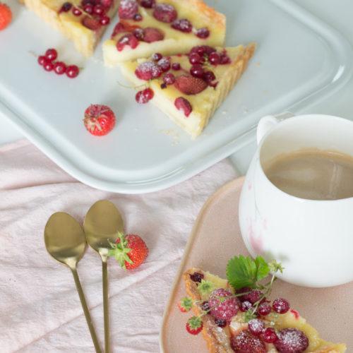Gries-Tarte mit Sommerfrüchten