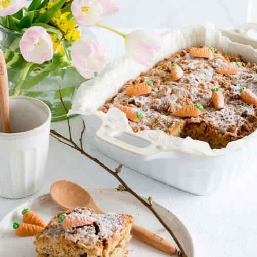 Karottenkuchen-mit-Walnussstreuseln